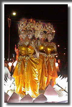 Loy-Kratong-princesses